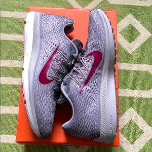 Nike Zoom Winflo 5 Women's Running Shoes